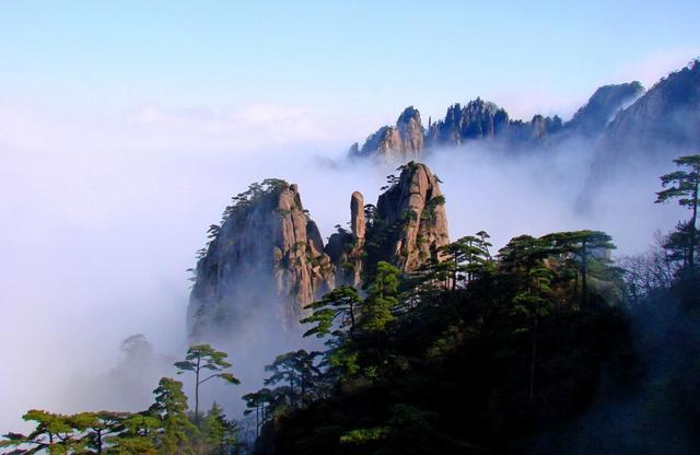 在中国旅游不得不去的十大名山,你心中那座山